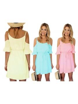 Śliczna sukienka oversize z odkrytymi ramionami