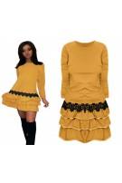 Dresowa sukienka z falbanami