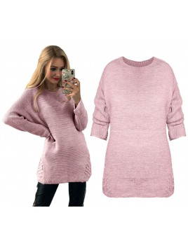 Sweterek ze zdobieniem
