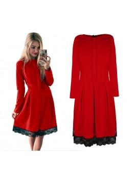 Sukienka z koronkowym wykończeniem S/M