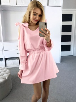 Sukienka z kokardami