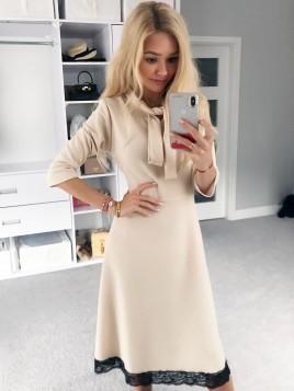 Elegancka sukienka z koronką S/M