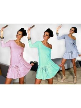 Rozkloszowana mini sukienka z troczkiem