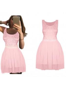 Elegancka, rozkloszowana sukienka z tiulową spódniczką