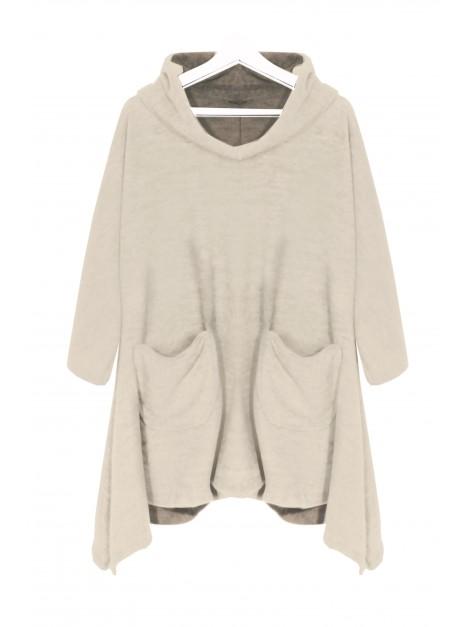 Oversize'owy sweterek z kapturem i kieszeniami