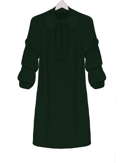 Sukienka z falbanami na rękawach