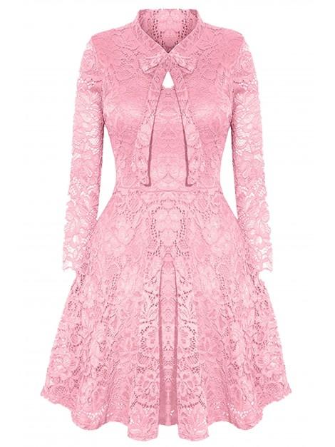 Elegancka sukienka z koronki