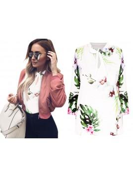 Bluzka z wiązanym dekoltem i modnym printem