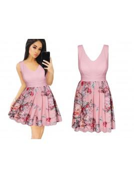 Sukienka w kwiaty z dekoltem