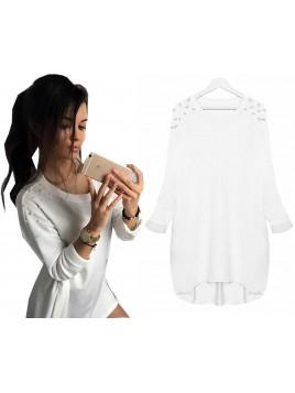 Asymetryczny sweterek z perełkami