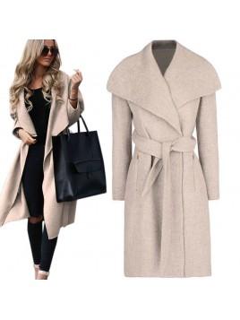 Flauszowy płaszcz z kieszeniami