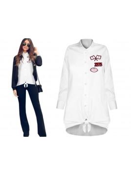 Elegancka koszula z modnymi naszywkami